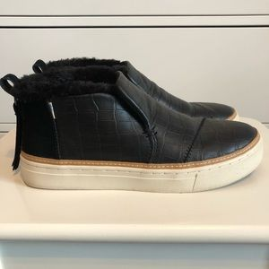 TOMS Paxton Black Croc Leather Sneakers, Size 6